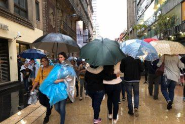 Lluvia persistente. En 14 alcaldías. Foto: Notimex.
